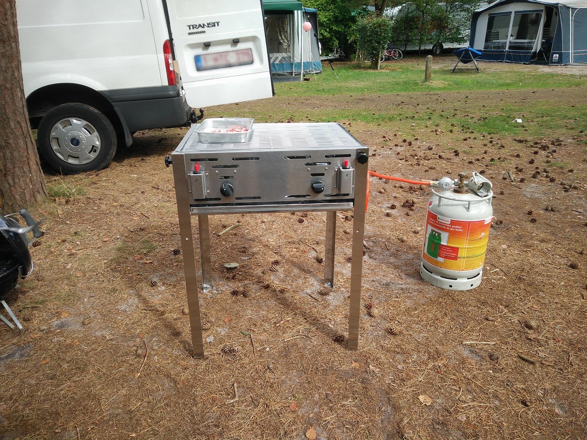 Barbecue gas op poten